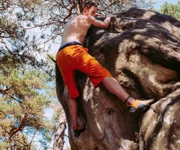 building muscle while rock climbing